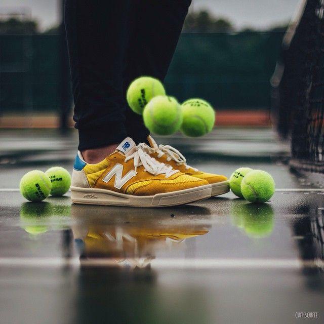 流行の復刻テニススタイル!超軽量のニューバランスCRT300