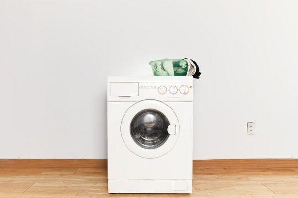 [スニーカーの洗い方]洗濯機でスニーカーを洗う方法!