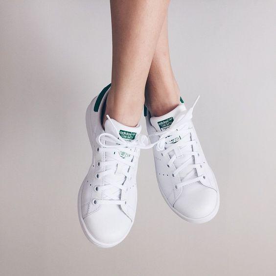 最高の万能性!アディダスの白スニーカー代表作「スタンスミス-adidas StanSmith」